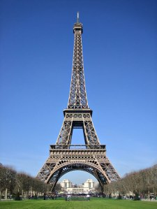 Giraffe  Eiffel Tower Picture on Into Bank And Steal From 200 Vaults Robbers Tunnelled Their Way Into